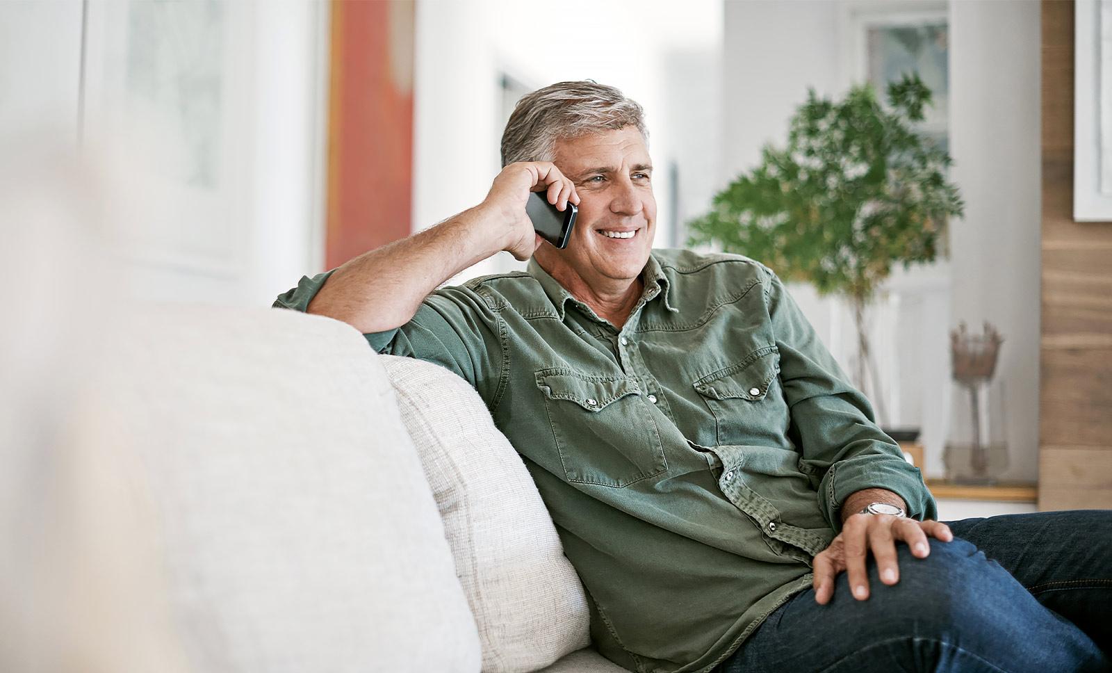 Spazierengehen am Telefon